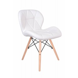 Baltos odos kėdė